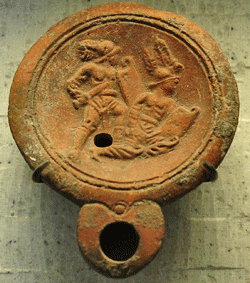 murmillo and threax oil lamp from the Louvre, click for larger size an credits